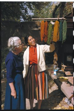 Todd Webb, Alice with Mabel Morrow Looking at Dyed Yarns